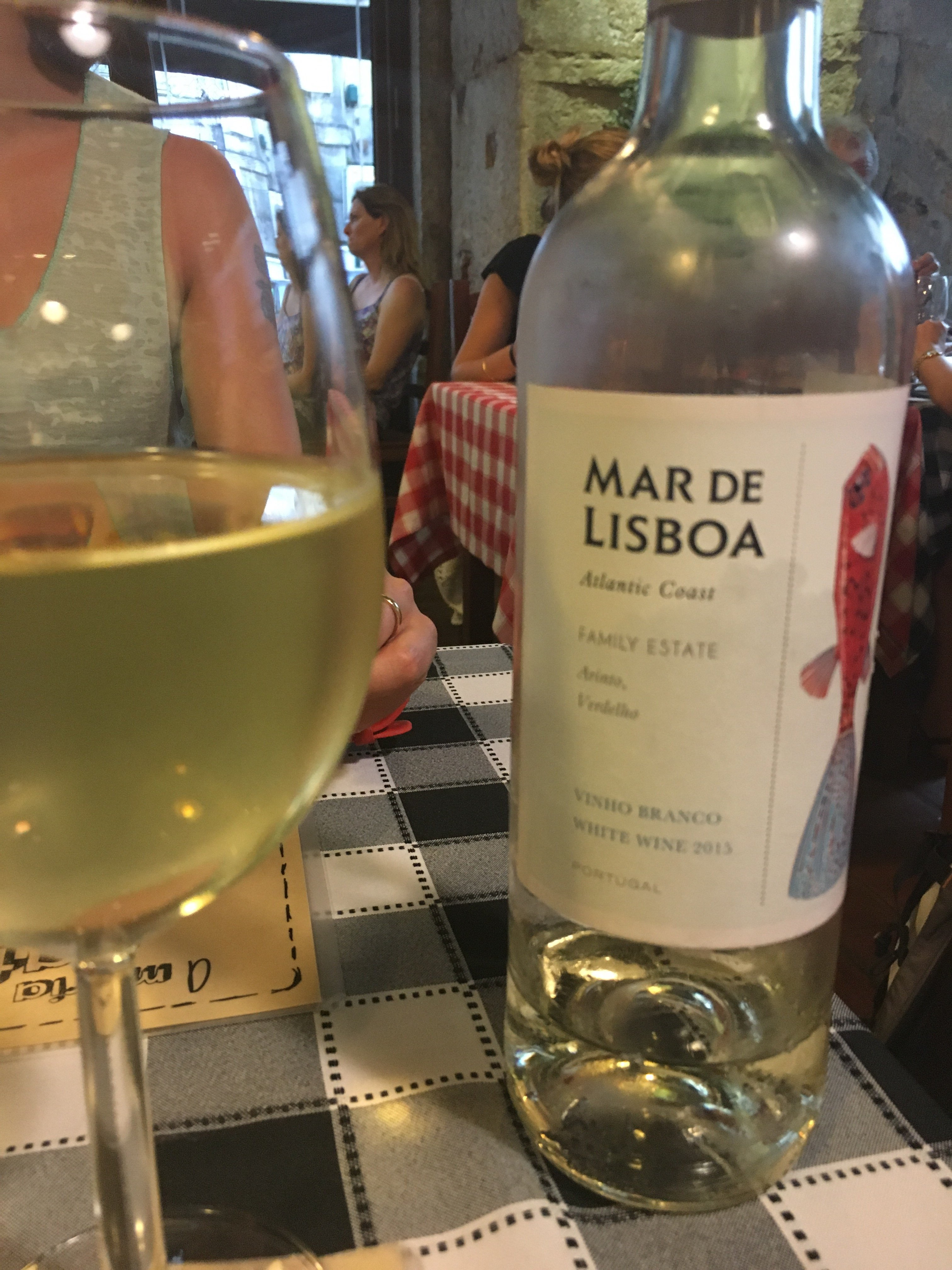 Mar de Lisboa white wine